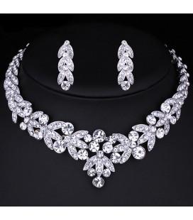 Luxus kivitelezésű, kristálylevél menyasszonyi ékszerszett