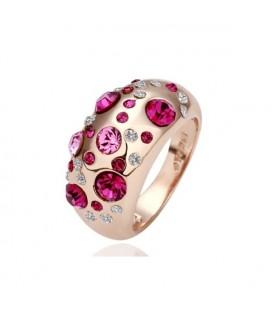 Egyedi, nagy kövekkel díszített gyűrű