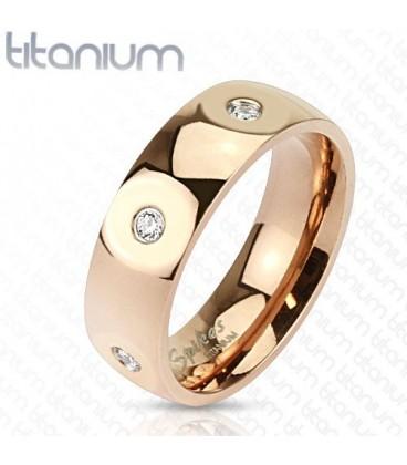ékszer webshop Titánium gyűrű CZ kristályokkal, arany bevonattal