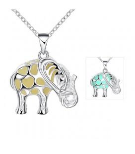 Foszforeszkáló elefánt medál ezüst bevonattal