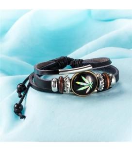 Cannabis mintával díszített bőr karkötő