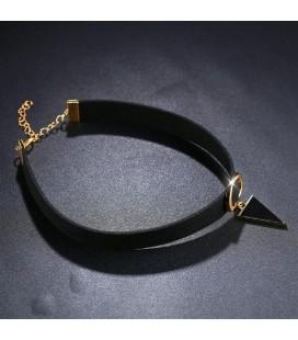 ékszer webshop Choker nyaklánc háromszög medállal