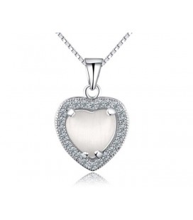 Ezüst szív medál cirkóniával