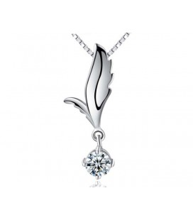 Elegáns ezüst medál fehér kristállyal