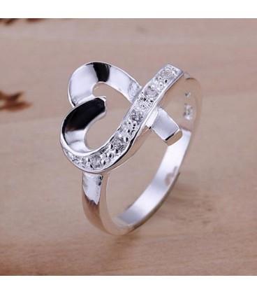 ékszer webshop Fehér kristályokkal díszített szív formájú gyűrű