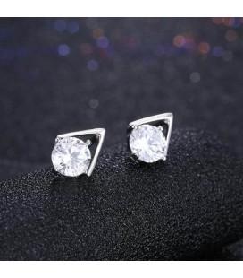 Háromszög ezüst fülbevaló cirkóniával