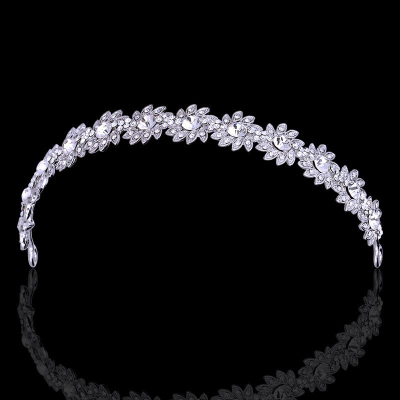 7d91d78e92 Különleges Exkluzív, ragyogó kristályos esküvői fejdísz olcsó áron ...