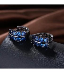 ékszer webshop Fekete karika fülbevaló zafírkék kristályokkal