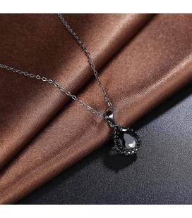 ékszer webshop Különleges, fekete csepp medál, nyakláncon