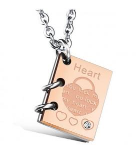 Gravírozható könyv nyaklánc Pároknak - Kulcs a szívedhez