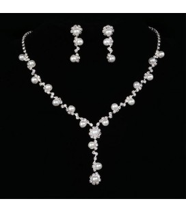 3 részes, gyöngyös esküvői ékszerszett kristályokkal