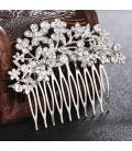 Kristályos menyasszonyi hajfésű virág díszekkel