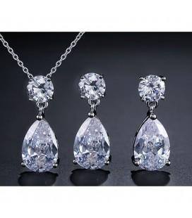 Csepp alakú, kristályos menyasszonyi ékszerszett