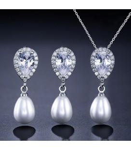 Csepp alakú, gyöngyös menyasszonyi ékszerszett kristályokkal