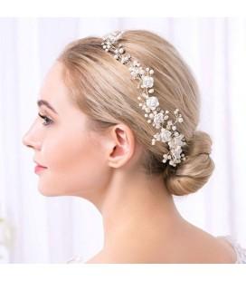 Rózsák & gyöngyök, kézzel készített romantikus hajfésű
