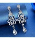 Különleges formavilágú, kristályos menyasszony fülbevaló