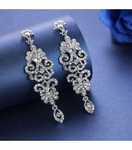 Barokk esküvői fülbevaló kristályokkal díszítve