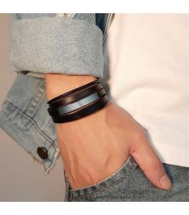 Széles, öko-bőr karkötő fekete színben, gravírozható dísszel