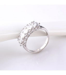 Fehér zircon köves gyűrű, ródium bevonattal